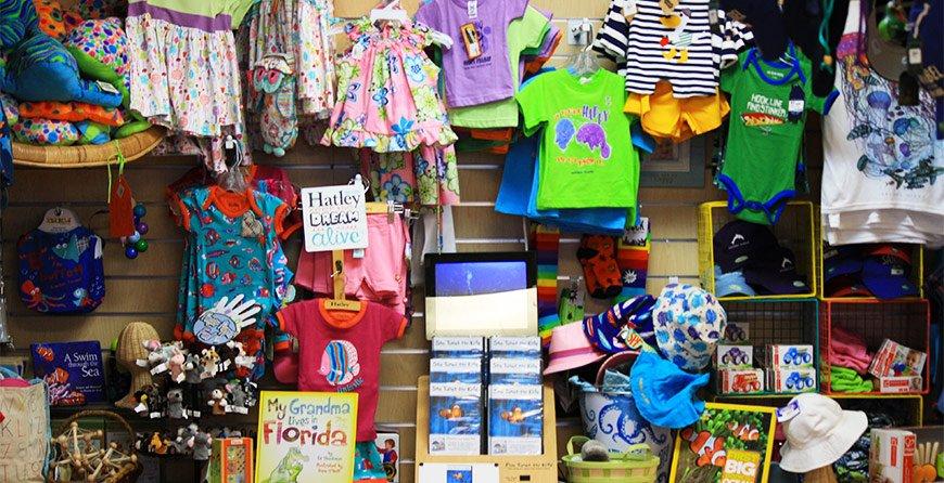 Image of the gift shop at Tarpon Bay Explorers